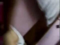 হোটেলে চুলের ধরন কাজের মেয়ের চুদাচুদি দিয়ে কালো লোক.
