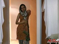 বহিরঙ্গন, বাংলা বাংলাচুদাচুদি সেক্সি পোশাক, পুল,